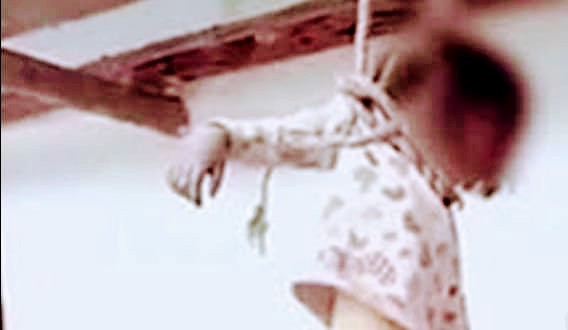"""آخر ضحايا الأنترنت """"طفله بشتيل """"تنفذ جريمه قتل بشعه لطفله ال4سنوات  مقلده فيلم النت"""