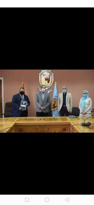 """وقع الدكتور """"أحمد عزيز عبد المنعم """"رئيس جامعة سوهاج، برتوكول تعاون مشترك بين شركة """"ايونو"""" للتراث الثقافي بالأقصر"""