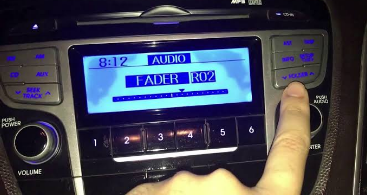 """مجلس النواب يوافق على رسم 100 جنيه سنويًا لكل مالك سيارة بها """"راديو"""""""