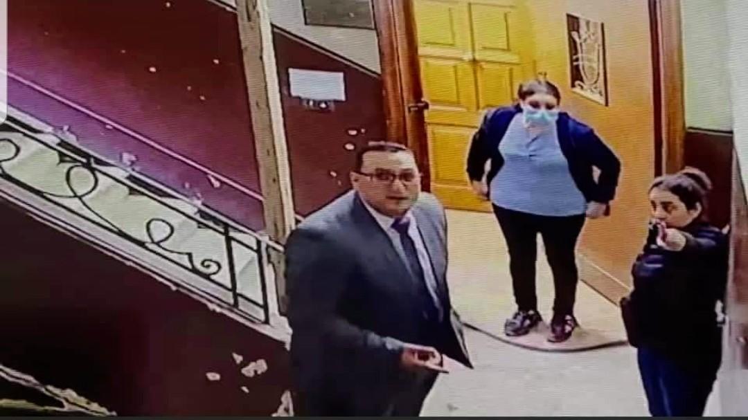 في يوم المرأه ..سيده المعادي تنقذ طفله العاشره من عمرها من متحرش كاد يفترسها والمفاجأه انه!!