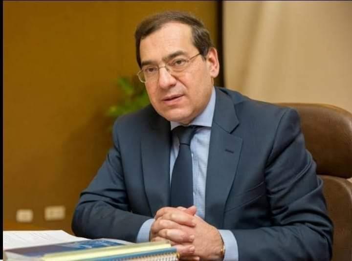 """"""" وزير البترول المصري """" يعد تقريرا للرد علي الانتقادات الموجهة له بمجلس النواب"""